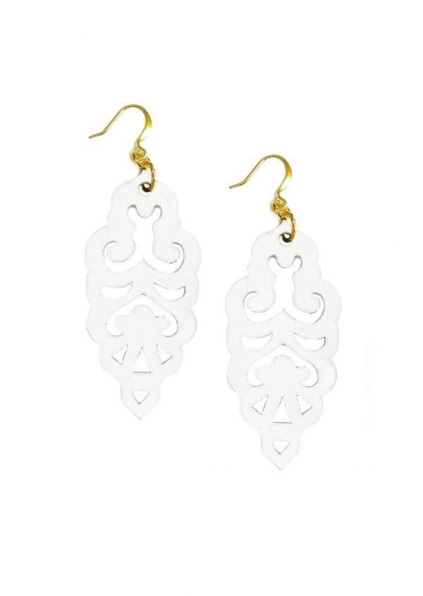 Filigrie earrings white