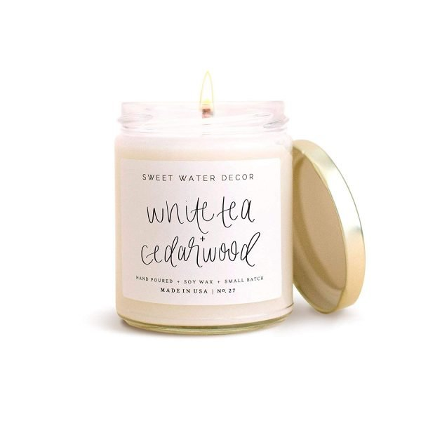 WHITE TEA AND CEDARWOOD SOY CANDLE